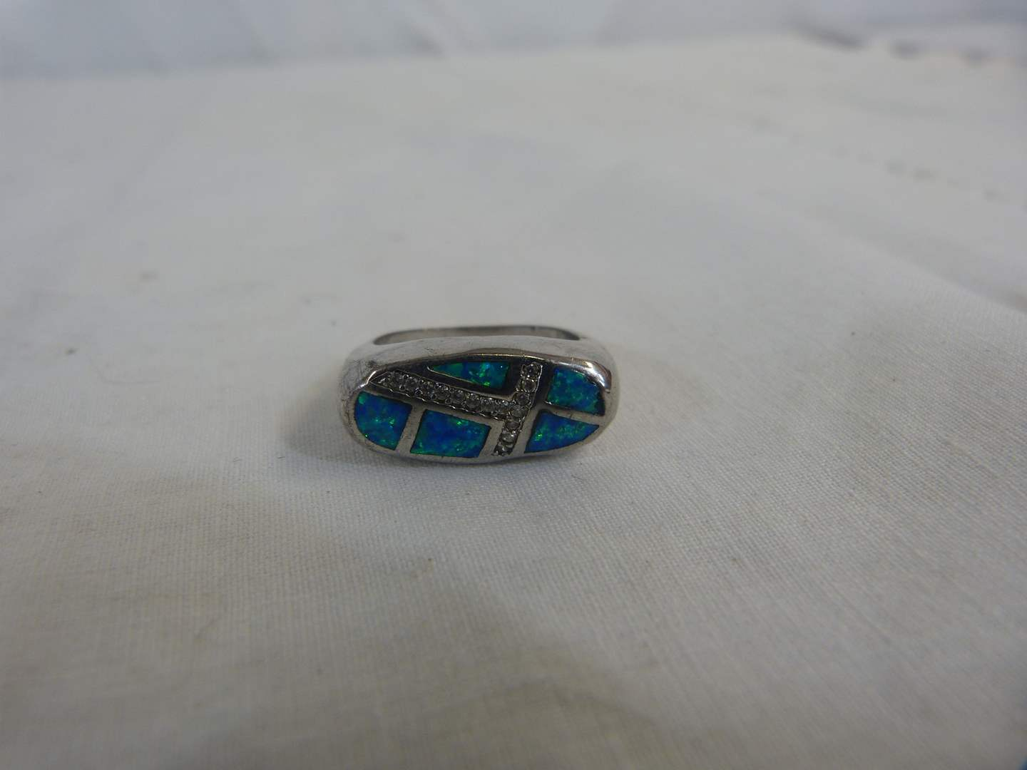 Lot # 137 Sterling .925 & abalone size 8 ring (main image)