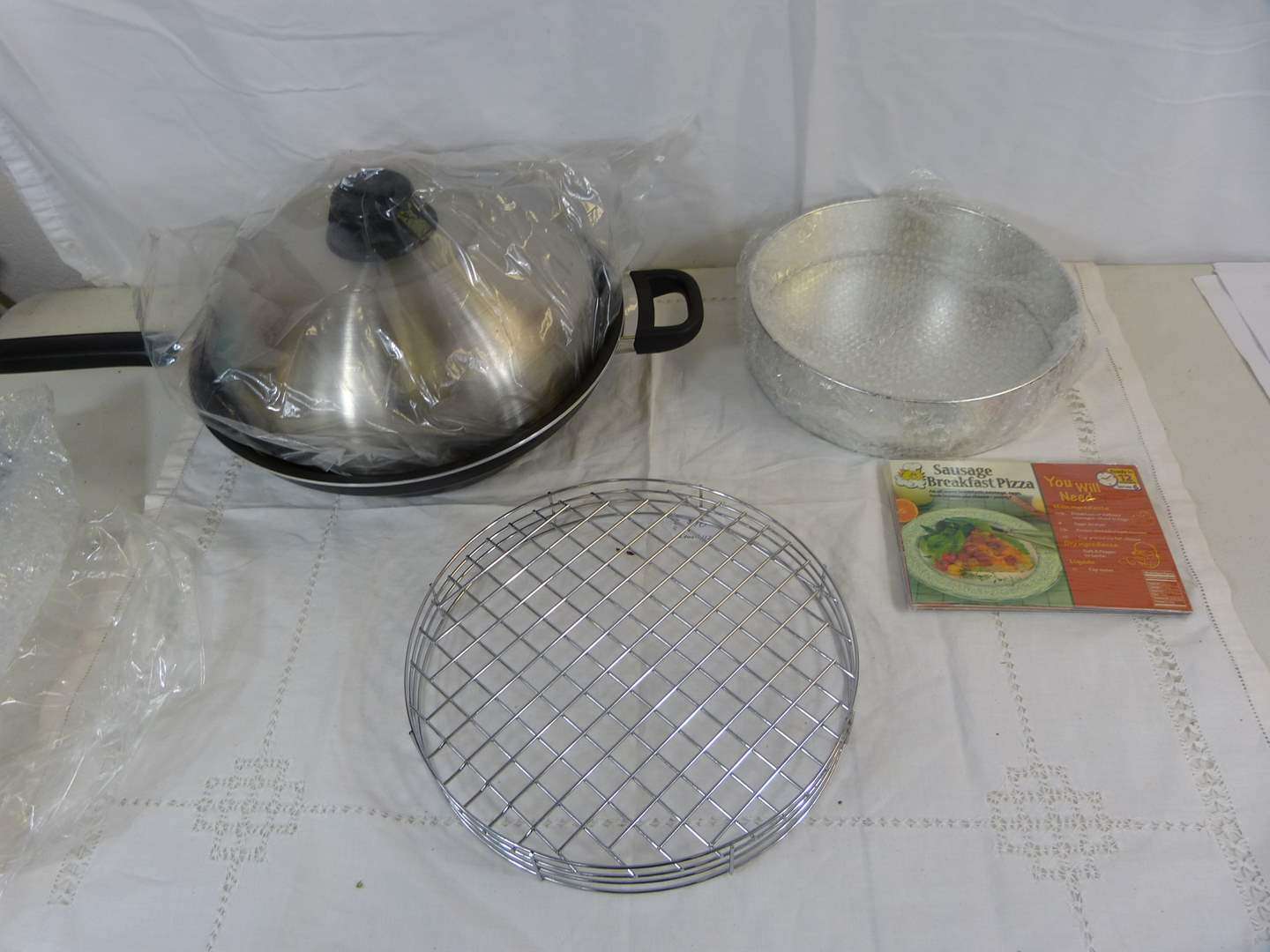 Lot # 65 NEW never used Quick Cooker COMPLETE (main image)