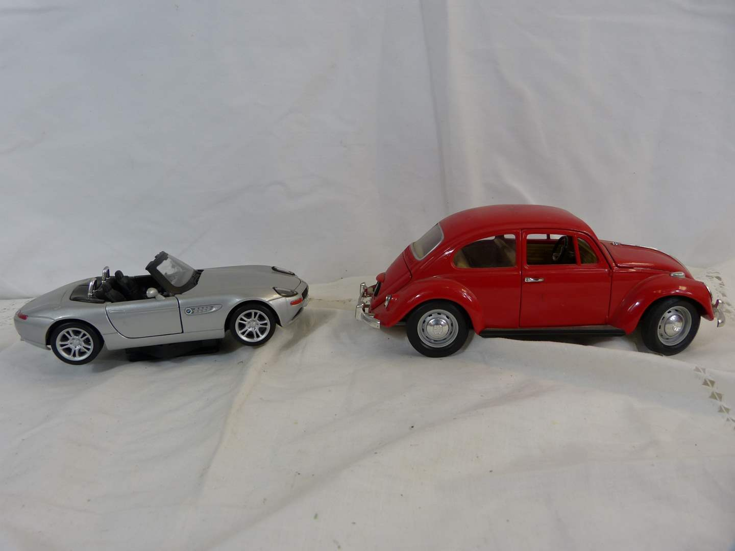 Lot # 98 Lot of 2 Diecast 1/18 Scale cars (main image)