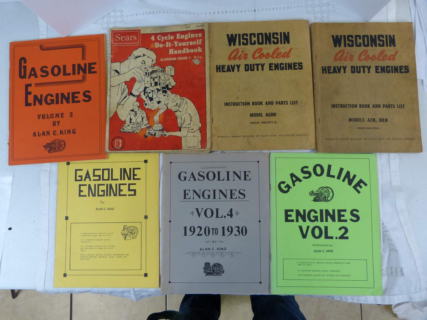 Lot # 184 Vintage Gasoline Engine HOW to books (main image)