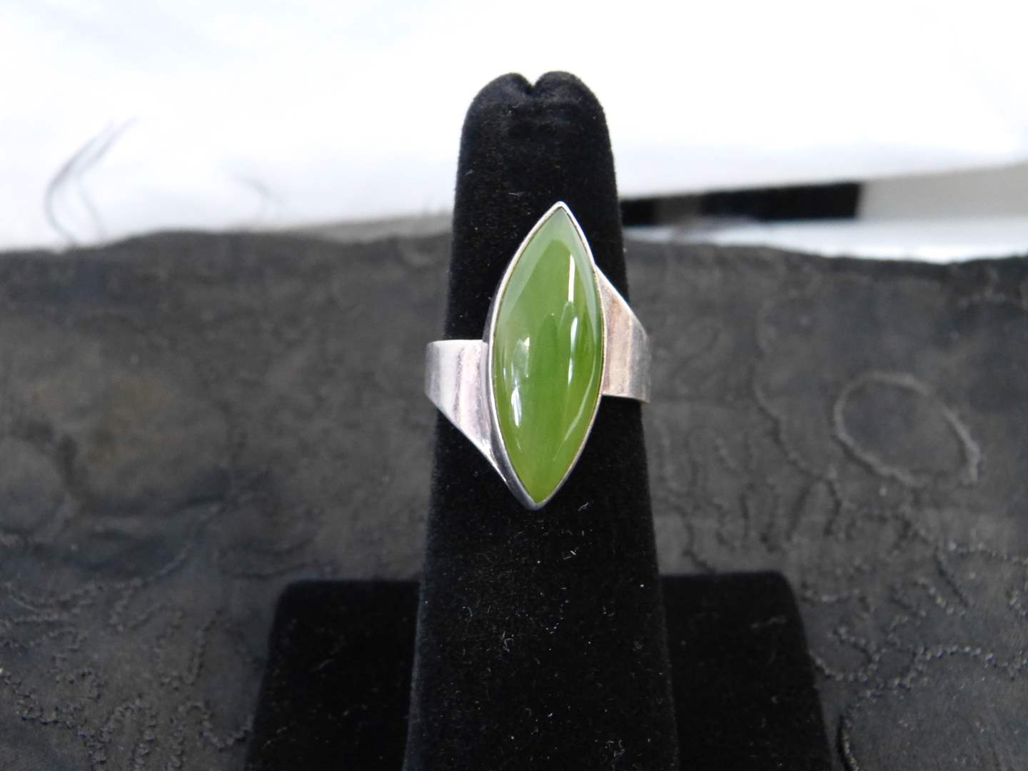 Lot # 111 Beautiful green stone sterling and signed size 5 1/2 women's ring (main image)