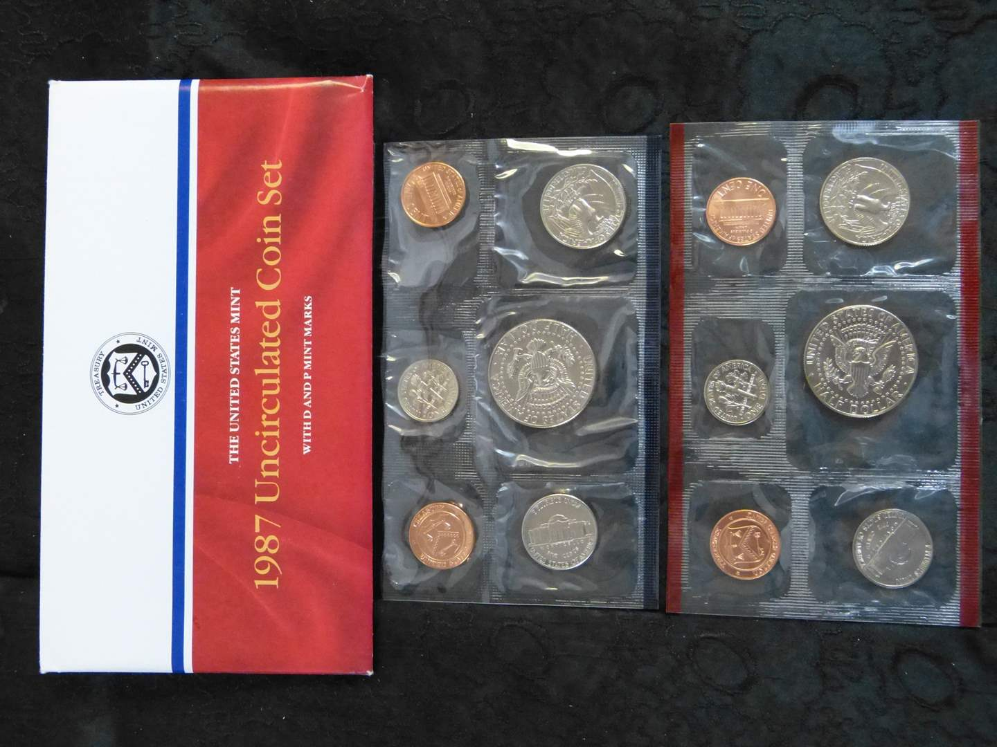 Lot # 250 1987 United States UNCIRCULATED coin set (main image)