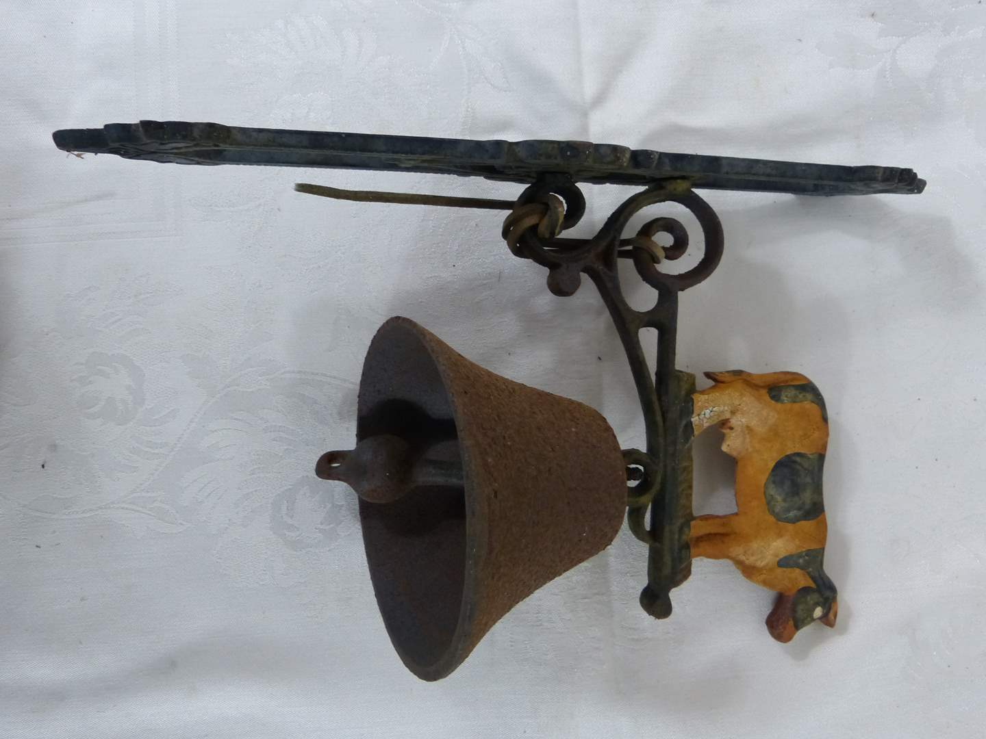"Lot # 195 GREAT Cast Iron COW bell (cow ONLY dimensions 5X4"") great ORIGINAL condition (main image)"
