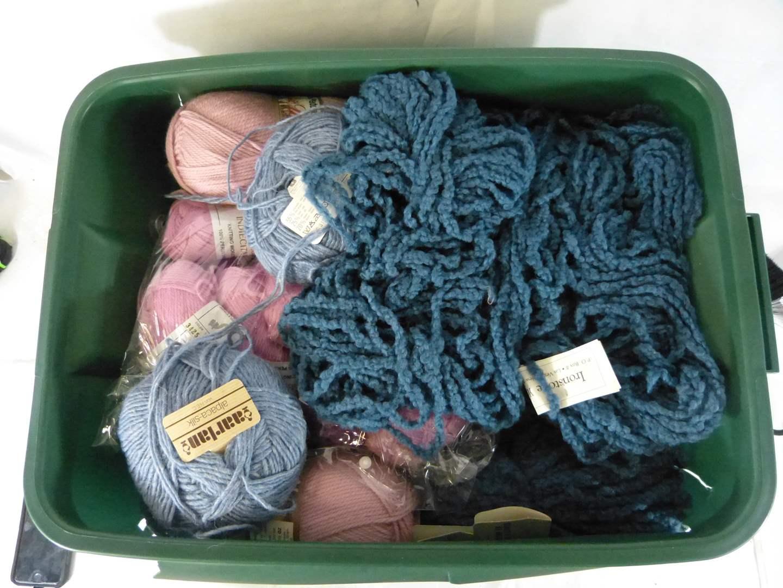 Lot # 214 LARGE lot of yarn (main image)