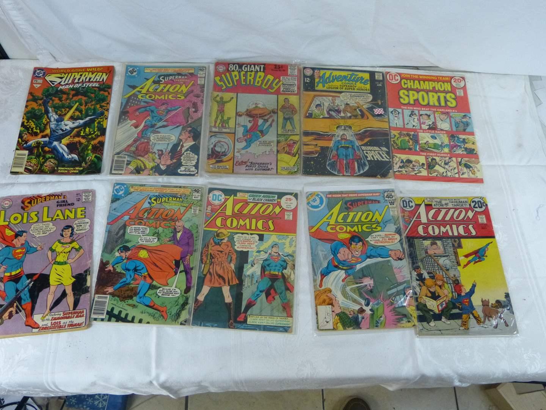 Lot # 265 Large lot of VINTAGE comic books (main image)