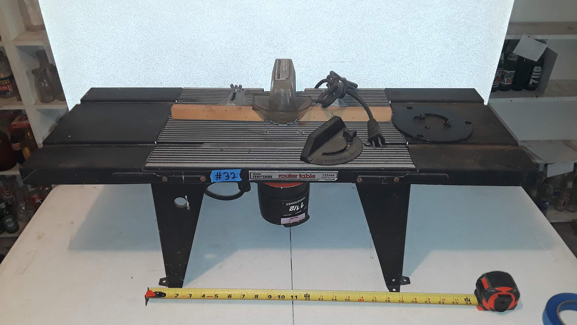 Lot # 32 CRAFTSMAN ROUTER WITH ROUTER TABLE WORKS