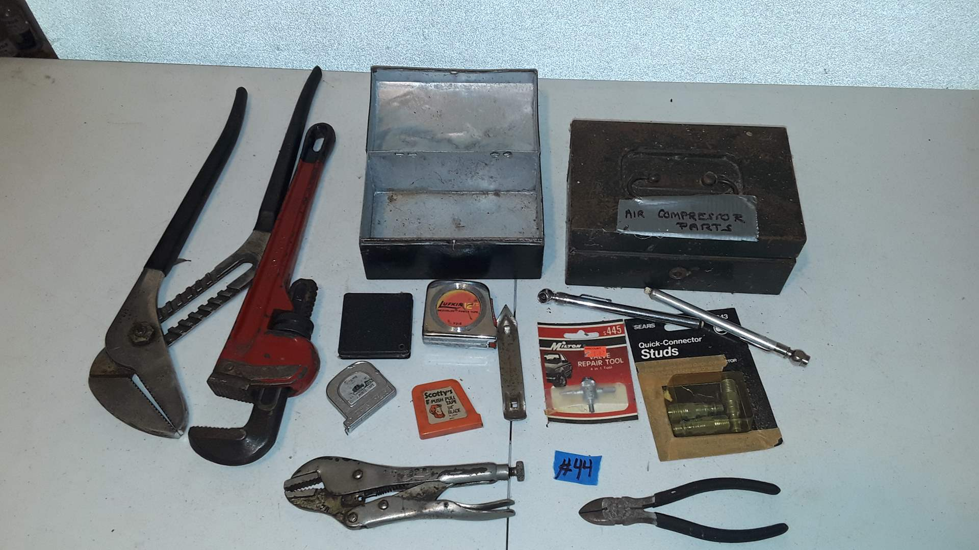 Lot # 44 MIXED TOOLS AND TAPE MEASURES