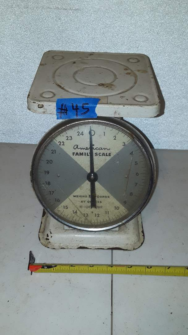 Lot # 45 AMERICAN FAMILY SCALE, WORKS , PLASTIC FRONT CRACKED