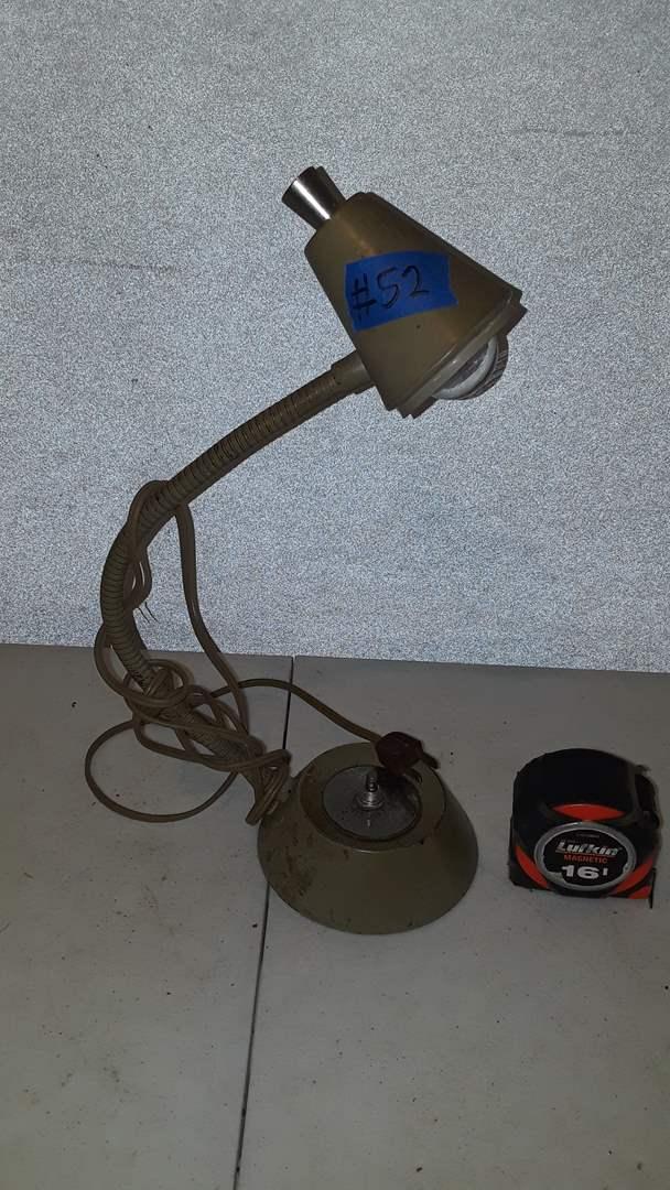 Lot # 52 VINTAGE UNDERWRITERS LABORATORIES PORTABLE LAMP, WORKS
