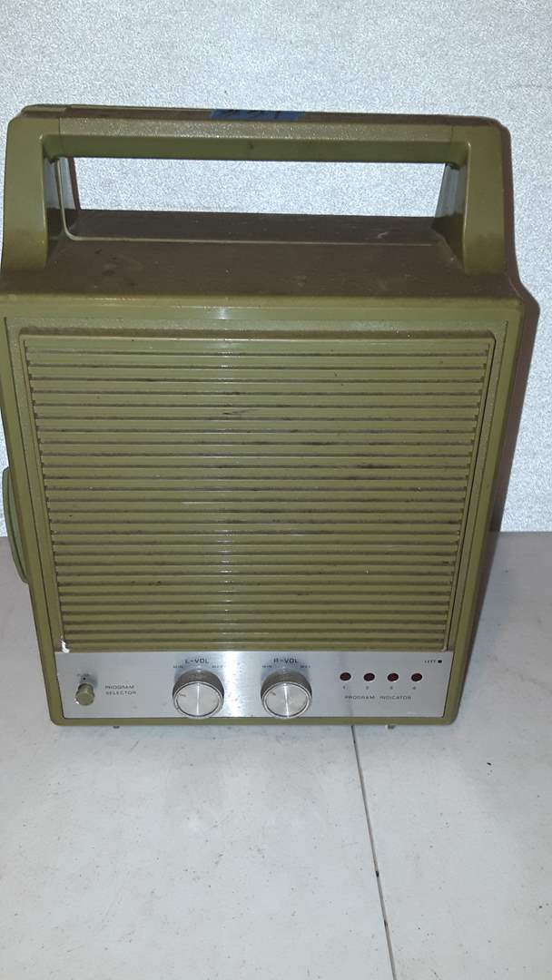 Lot # 91 TOYO SOLID STATE 8 TRACK STEREO WITH SOME TAPES