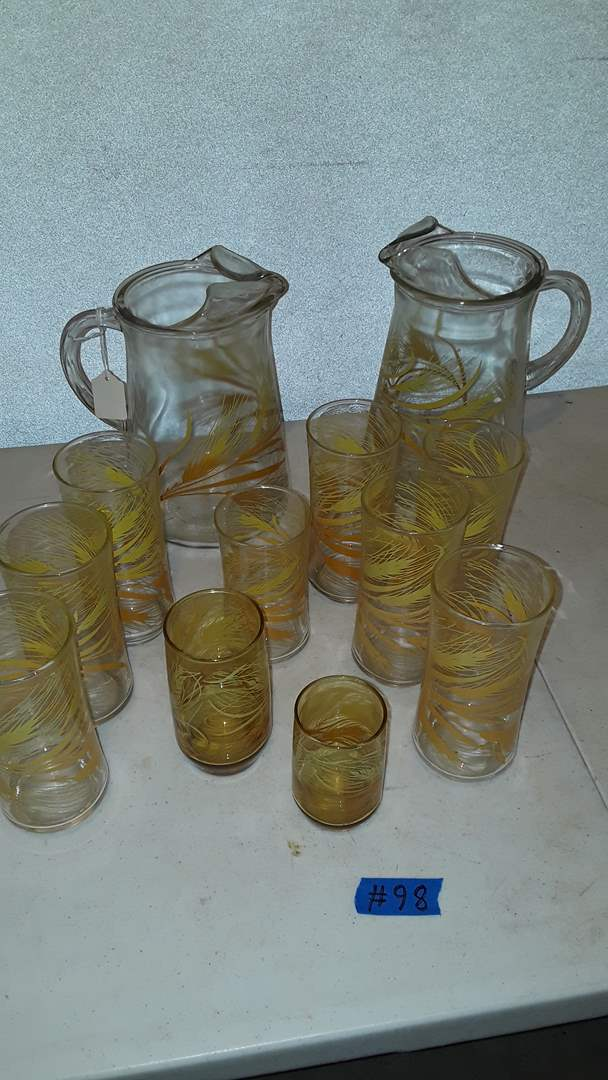 Lot # 98 LIBBEY PYREX HARVEST WHEAT GLASSES AND PITCHERS