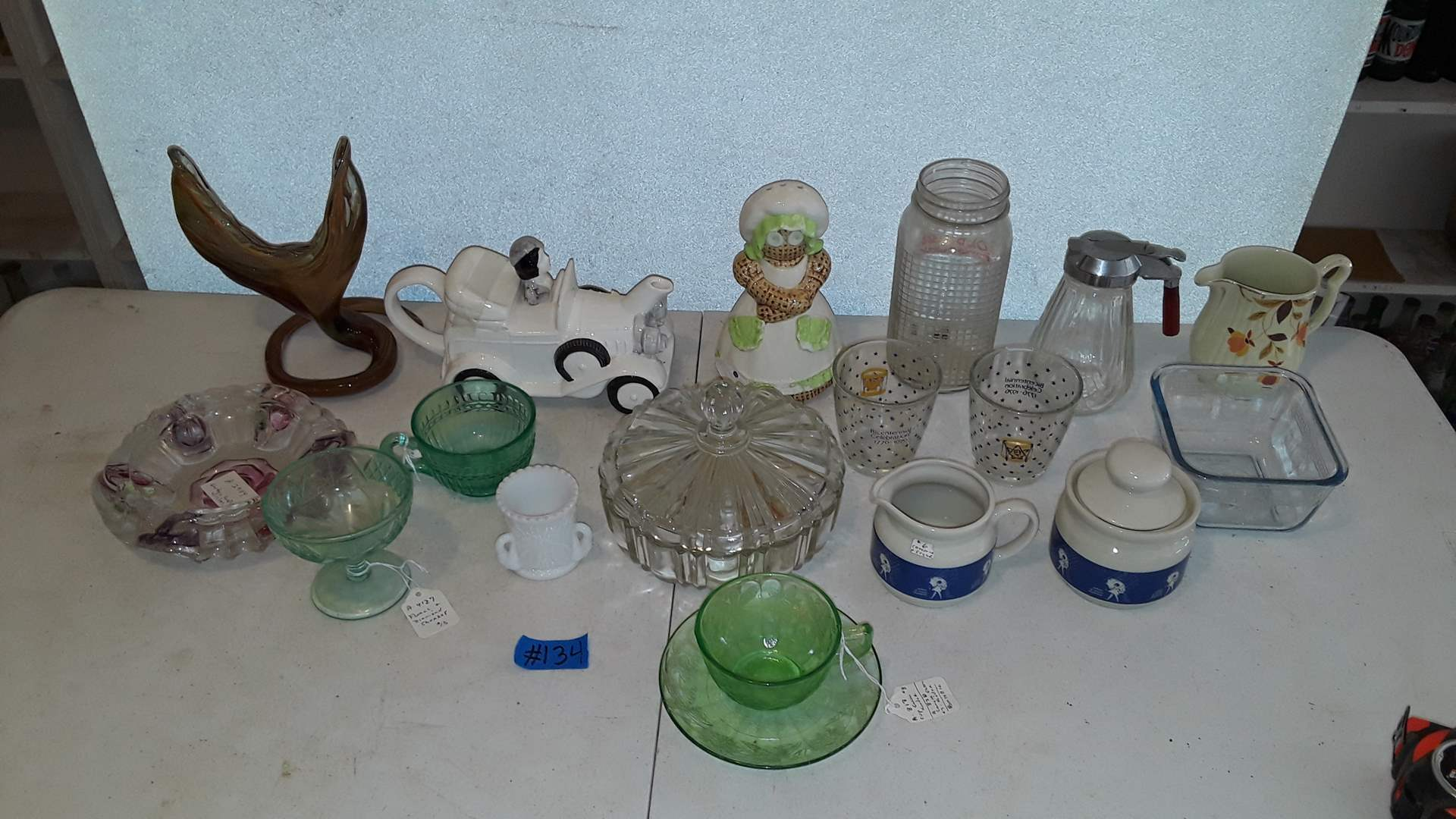Lot # 134 ANTIQUE GLASSWARE, DEPRESSION GLASS, ART GLASS