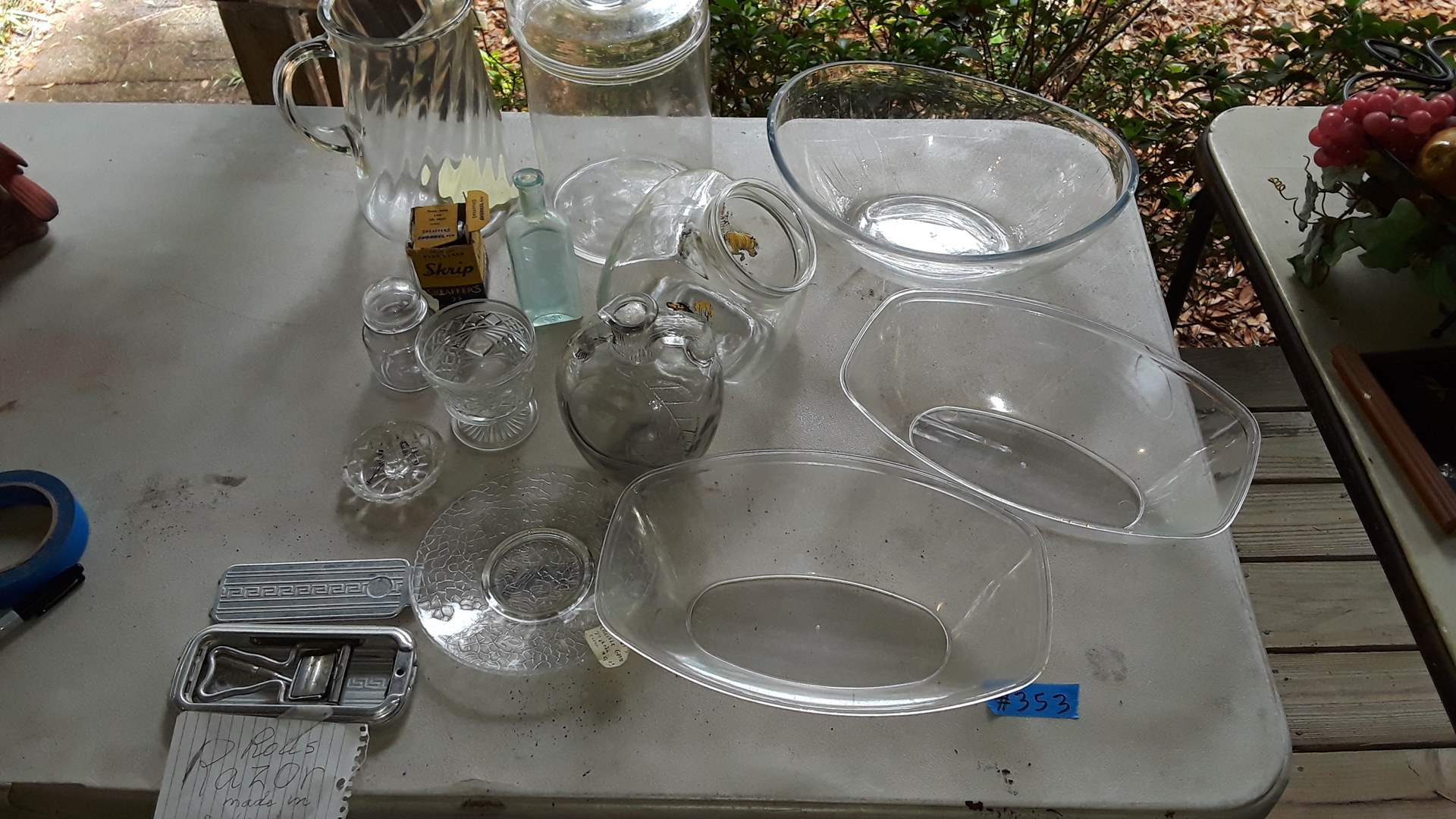 Lot # 353 ROLLS RAZOR, VINTAGE COOKIE JAR NO LID, ANTIQUE CLEAR GLASS, MATCHING PLASTIC OVAL DISHES