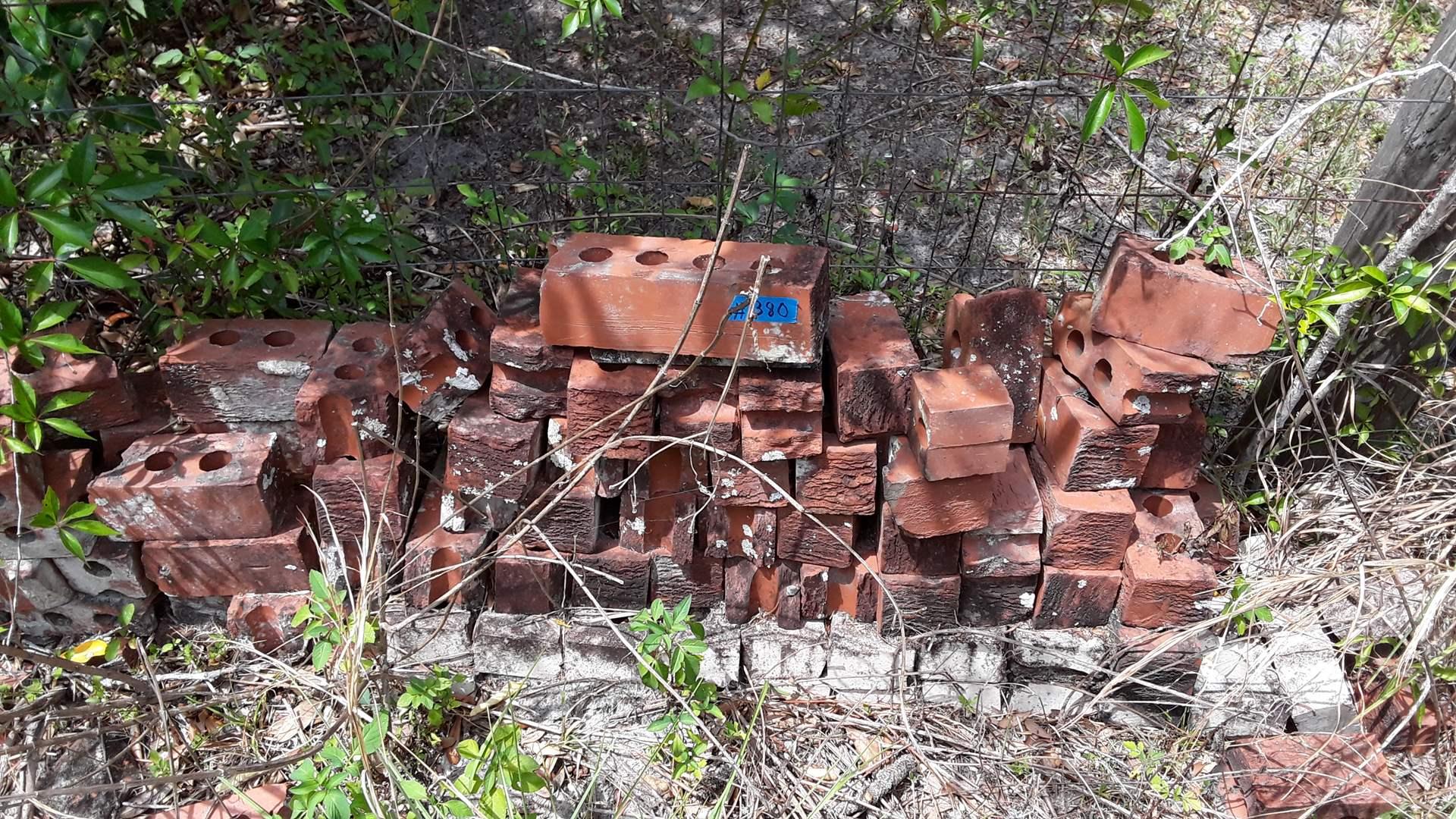 Lot # 380 - 2 PILES OF OLD BRICKS, MOST ARE HALF BRICKS
