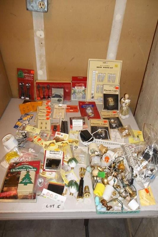 Lot #5 Vintage Lamp & Lighting  Doll House Furniture  (main image)