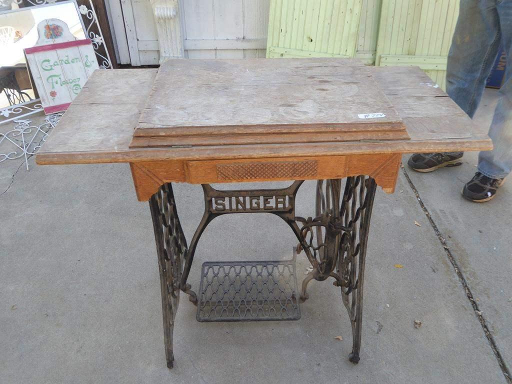 Lot # 228 - Vintage Singer Treadle Sewing Machine (main image)