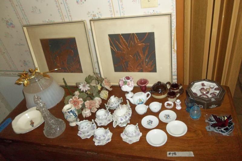 Lot #78 Table Full Of Vintage Knic-Knacs (main image)