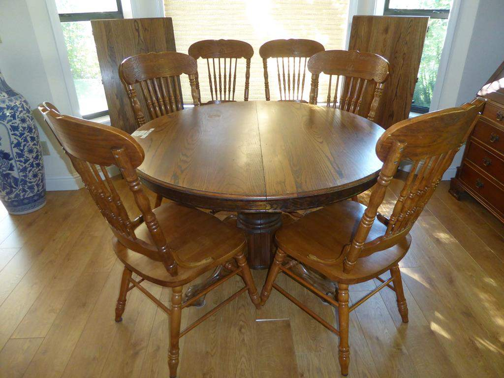 Lot # 53 - Solid Oak Dining Table w/Claw Feet, Two Leaves & Six Chairs (main image)