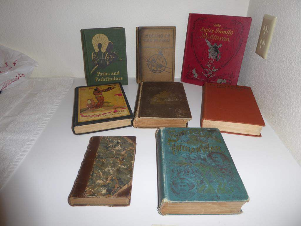 Lot # 134 - Antique & Vintage Western Book Collection (main image)
