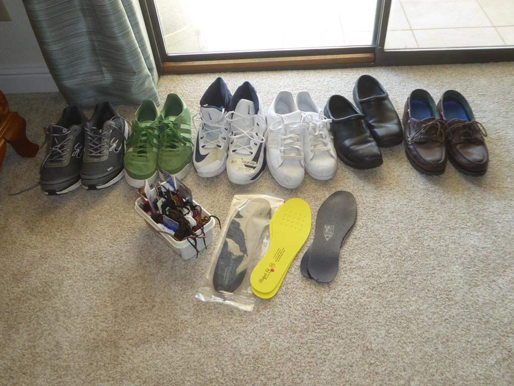 Lot # 152 - Men's Shoes Size 15 & Shoe Laces (main image)