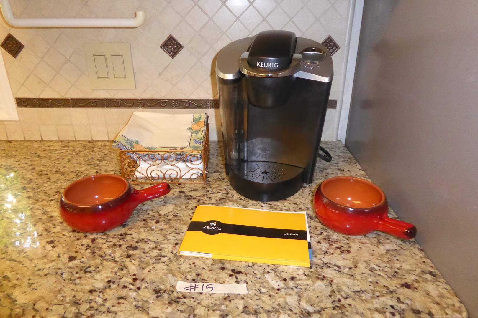 Lot # 15 - Keurig Single Cup Coffee Maker & Two DeSilva Bowls  (main image)