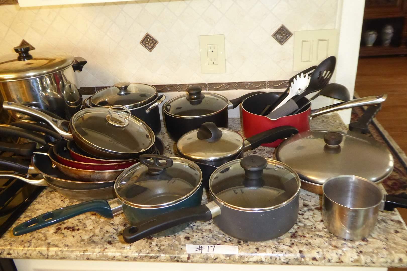 Lot # 17 - Miscellaneous Pots & Pans  (main image)