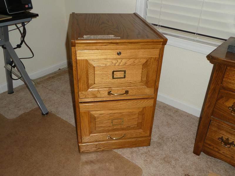 Lot # 251 - Nice Oak Filing Cabinet (main image)