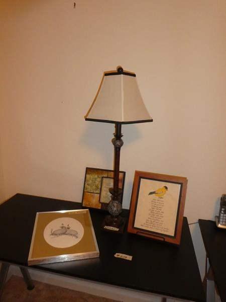 Lot # 258 - Nice Little Lamp & Decor (main image)
