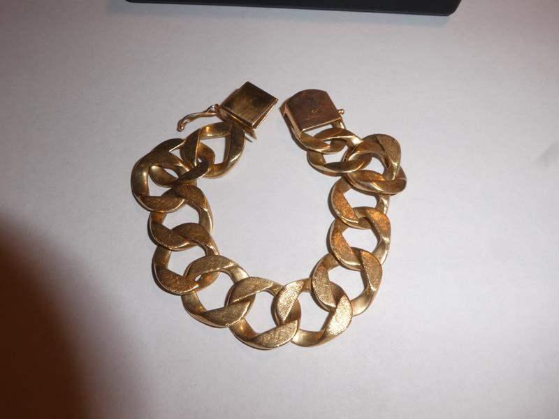 Lot # 165 - Chunky 14kt Gold Bracelet - 48 grams  (main image)