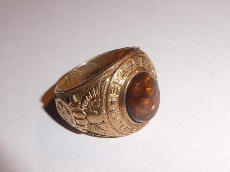 Lot # 166 - 10K Gold US Navy Sea Bees Ring - Size 9 - 10.3 grams (main image)