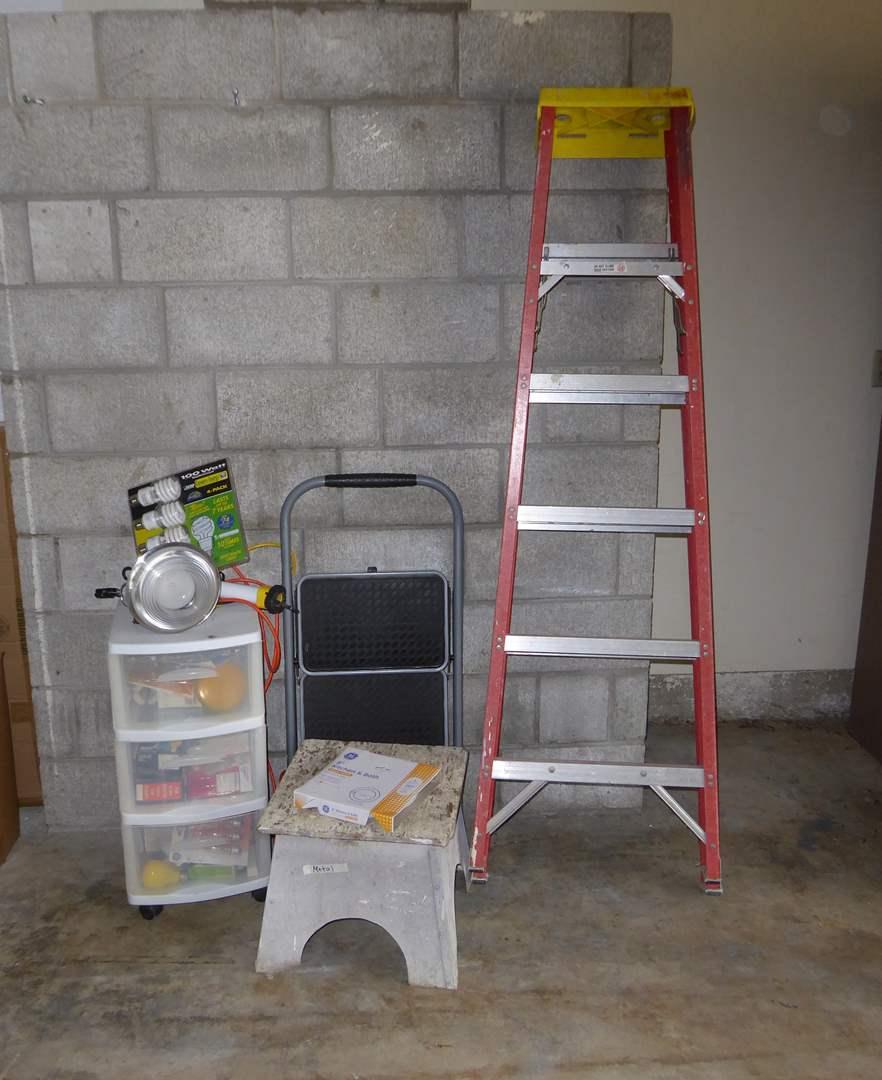 Lot # 5 - Fiberglass Ladder, Light Bulbs & Step Stool  (main image)