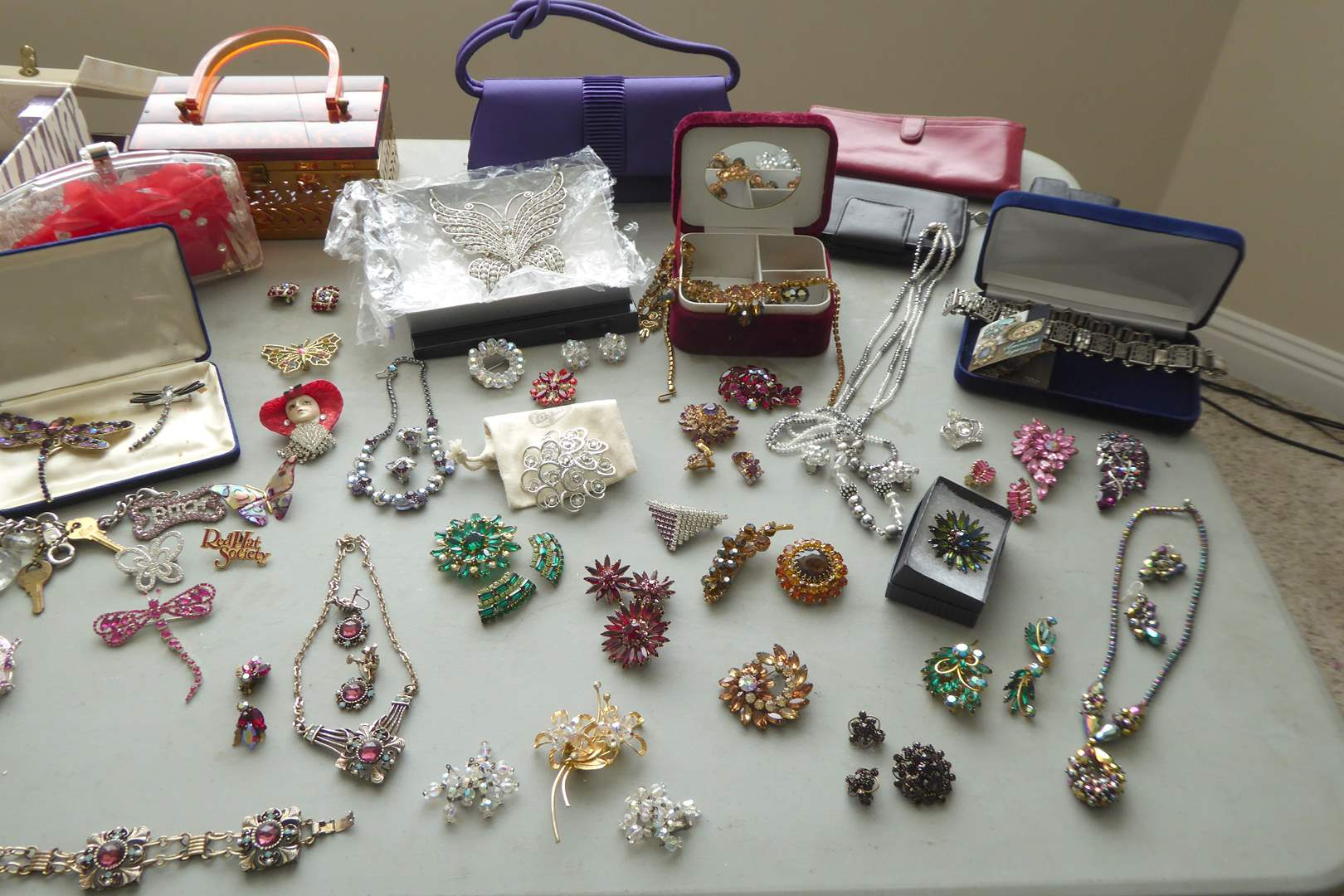 Lot # 31 - Jewelry Lot Including Sweet Romance Necklace and Purses  (main image)