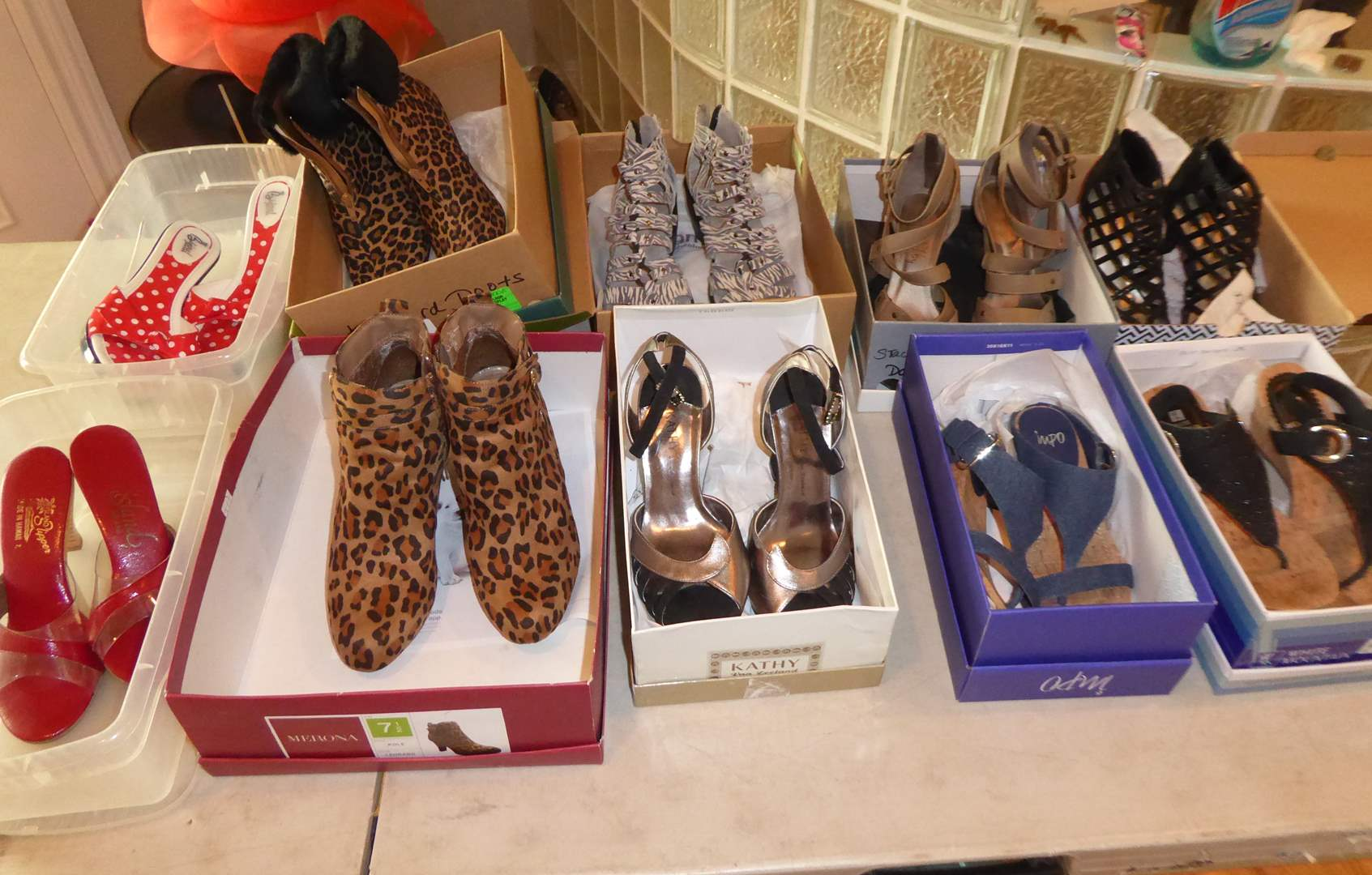 Lot # 113 - Women's High Heels (Mostly Size 7 )  (main image)