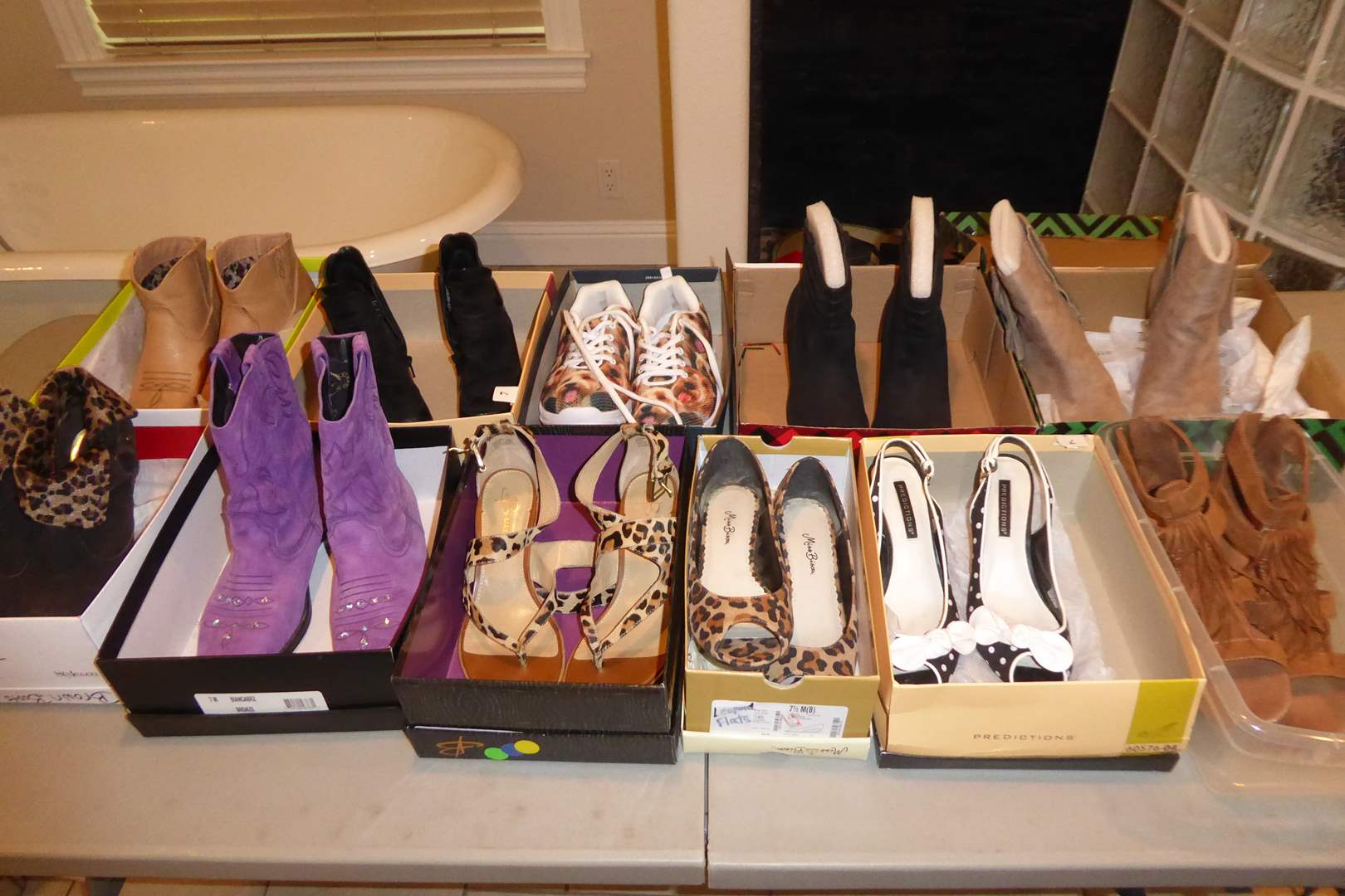Lot # 114 - Women's Shoes, Boots & High Heels (Mostly Size 7)  (main image)