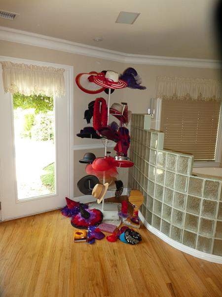 Lot # 63 - Ladies Vintage Hat Collection, Hat Stand & More (main image)