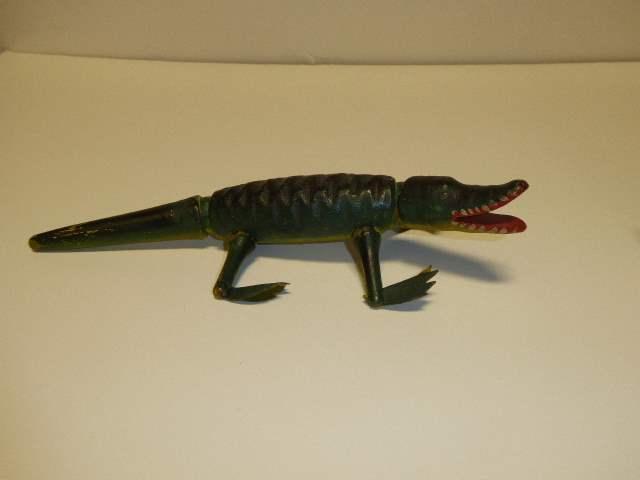 Lot # 199 - Schoenhut Aligator Style II  (main image)