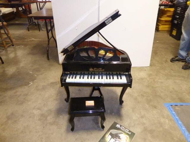 Lot # 320 - Schoenhut Kids Piano  (main image)