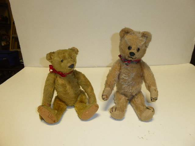 Lot # 330 - Steiff Bears  (main image)