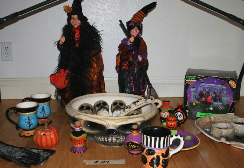 Lot #27 Halloween Decorations and Party Lot (main image)