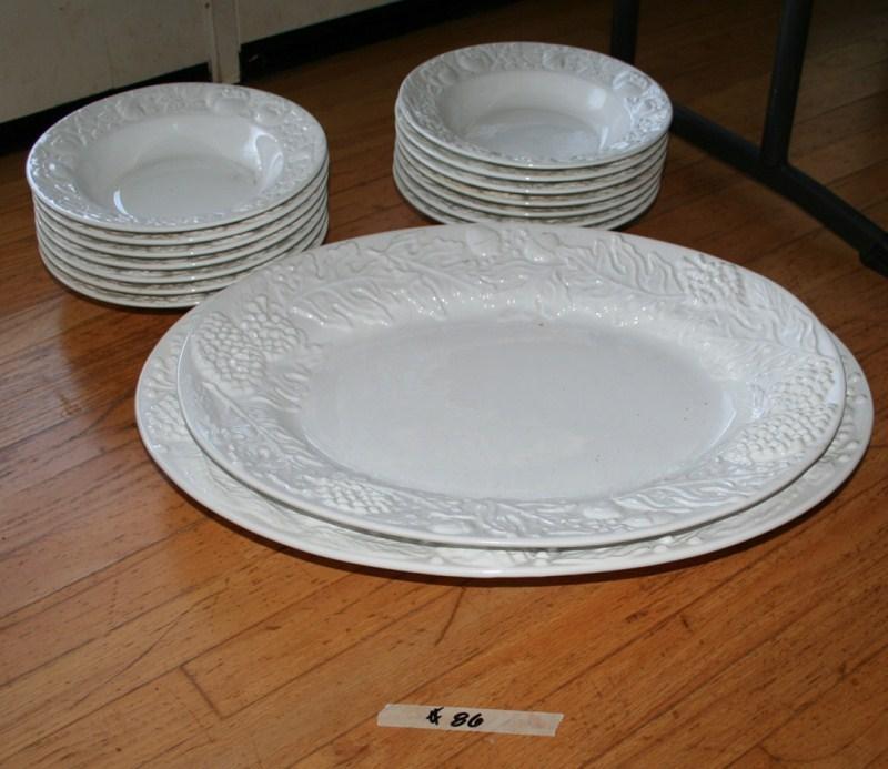 Lot #86 Extra Large Serving Platters & Bowls (main image)