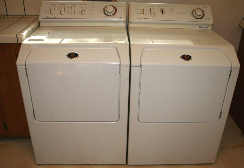 Lot #73 Maytag Neptune Washer & Electric Dryer (main image)