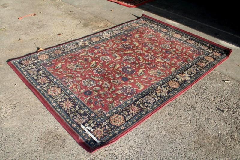 Lot #72 5' x 8' Persian Style Area Rug (main image)