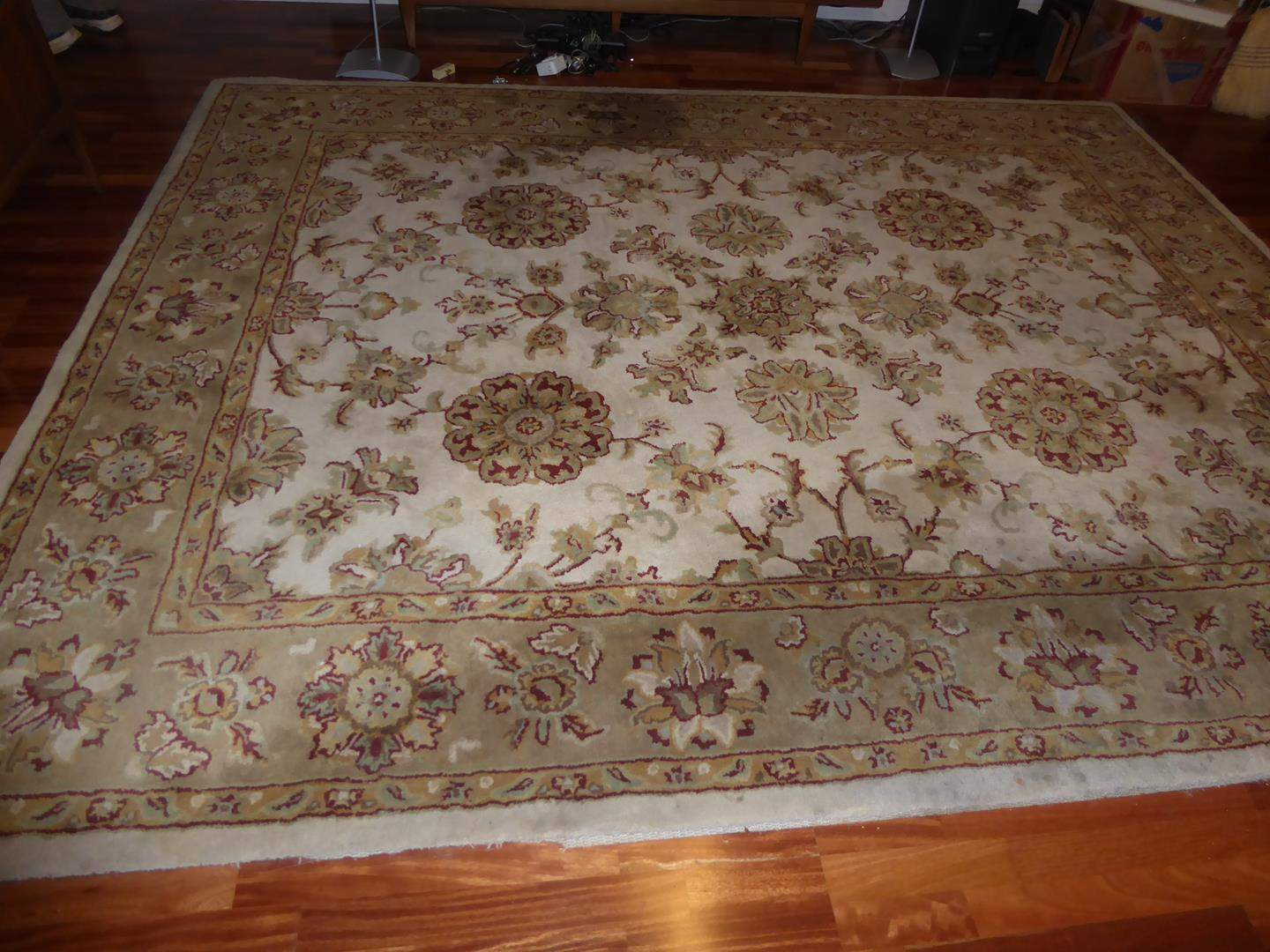Lot # 58 - 'Legacy' 100% Wool Hand Tufted Area Rug Made in India (main image)