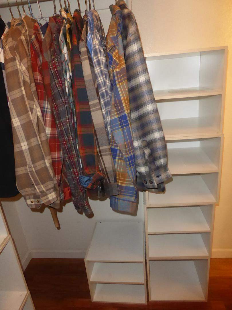 Lot # 105 - Five Cubbies & Men's Flannel Shirts Size L & XL (main image)