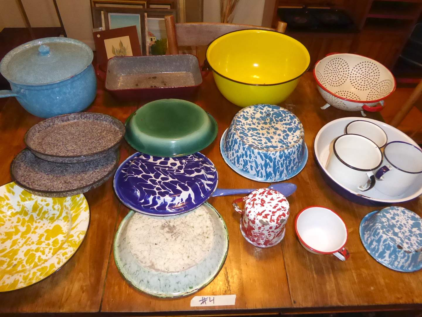 Lot # 4 - Lot Of Miscellaneous Enamelware  (main image)