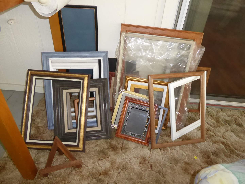Lot # 25 - Lot Of Frames  (main image)