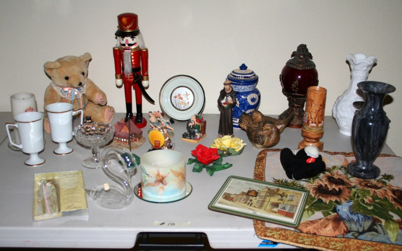 Lot #10 ~ Variety Lot: Candles, Figurines, Vases, Nutcracker ...& More ... .. (main image)
