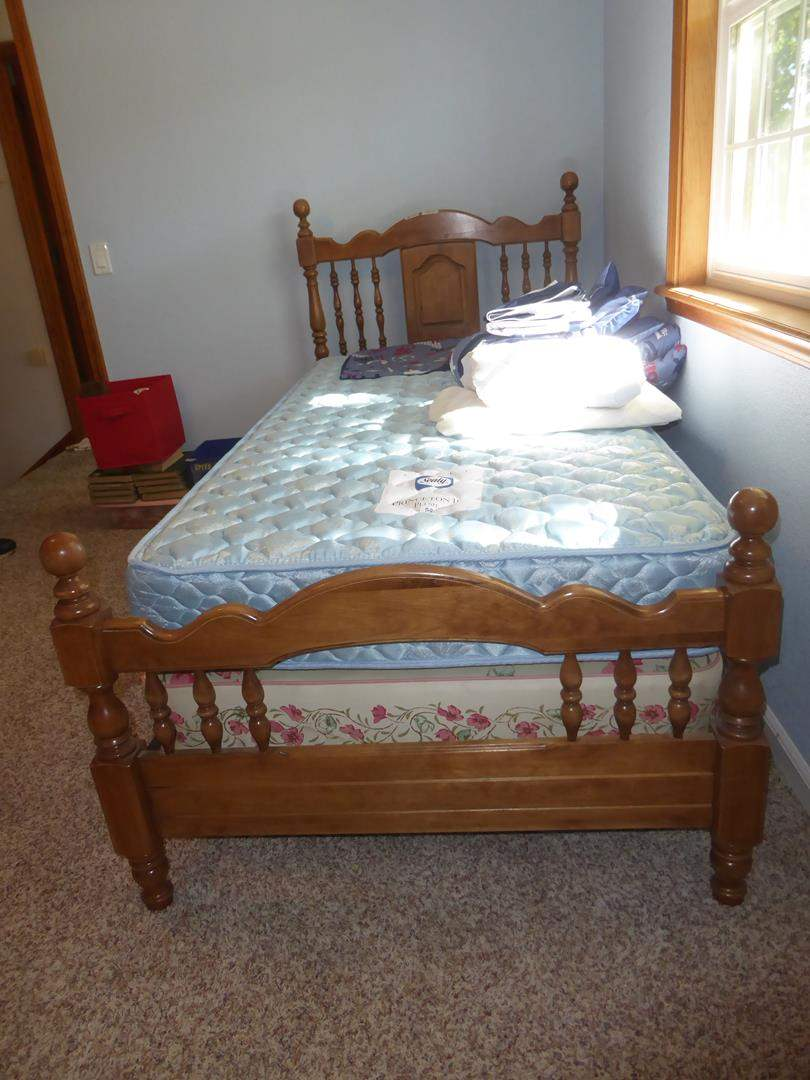 Lot # 139 - Twin Size Bed Frame w/Sealy Princeton III Plush Mattress & Bedding (main image)