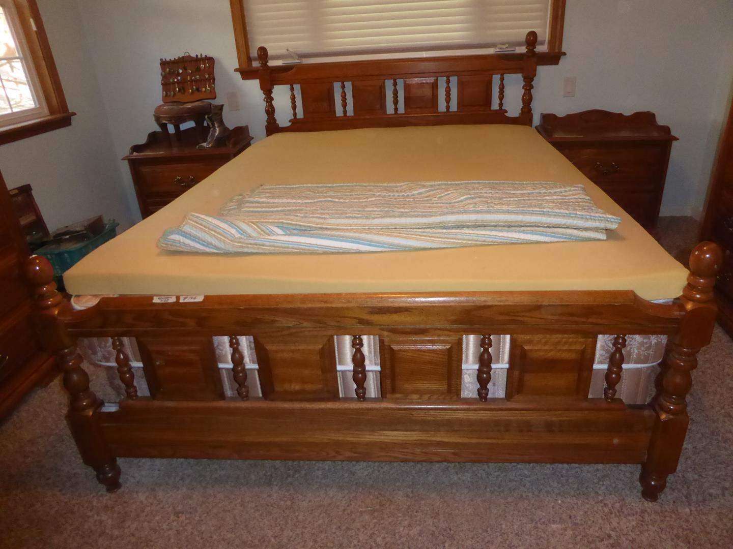 Lot # 146 - Quality Queen Size Bed Frame w/Beautyrest Mattress Set, Memory Foam Topper & Seashells Bedspread (main image)