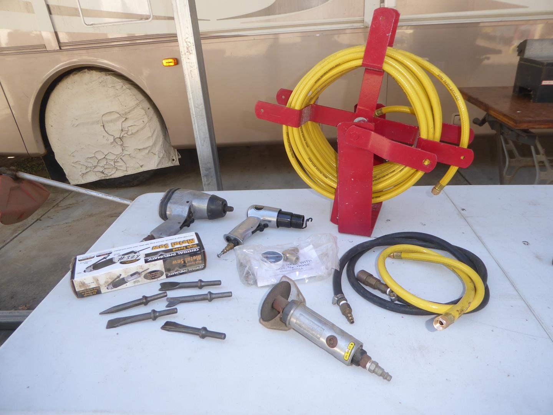 Lot # 324 - Air Hose & Air Tools (main image)